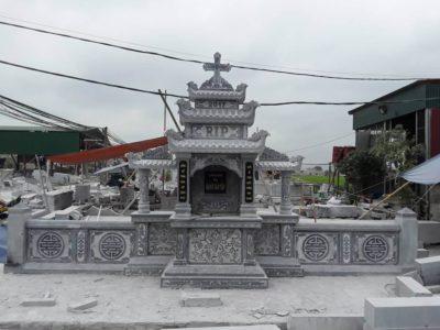Lăng mộ đá cho người theo đạo công giáo