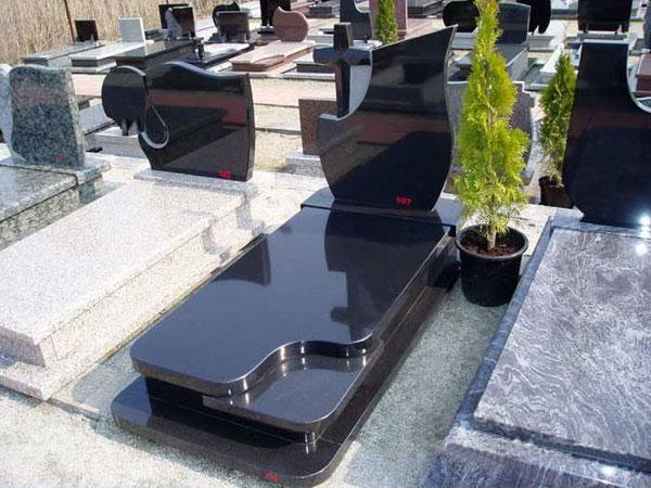 Đá Granite được ứng dụng làm lăng mộ