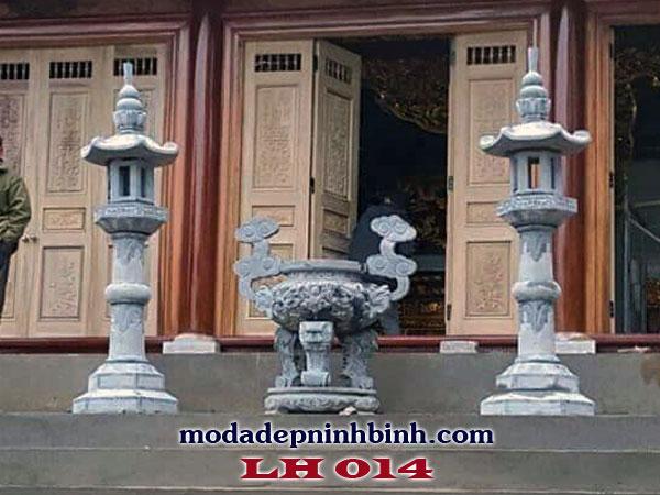 Lư hương đá đặt ở cửa chùa mang ý nghĩa triết lý của Phật giáo