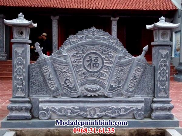 Bình phong đá nhà thờ dòng họ