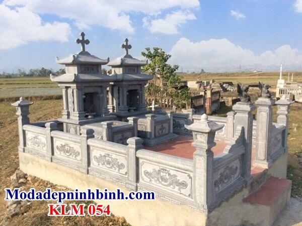 Lăng mộ đá công giáo 054