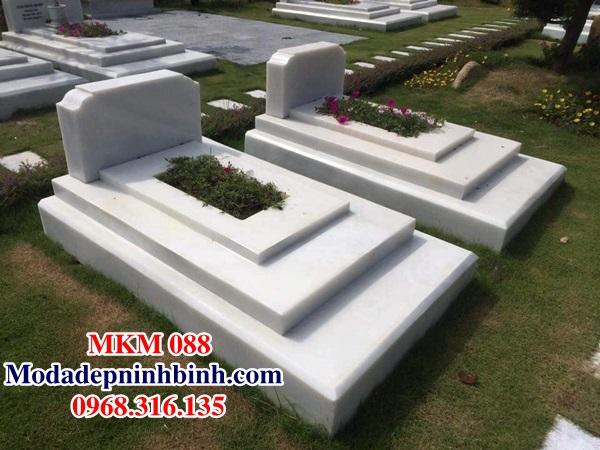 Mẫu mộ đá trắng tam cấp MKM 088