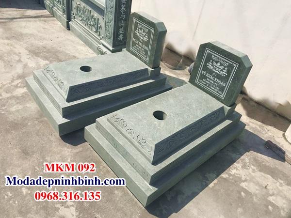 Mộ đá tam cấp xanh rêu MKM 092