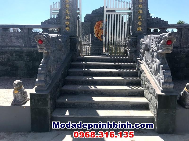 cổng đá khu lăng mộ nghi thiết Nghệ an