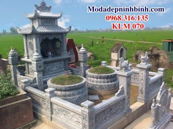 Khuôn viên khu lăng mộ đá KLM 070