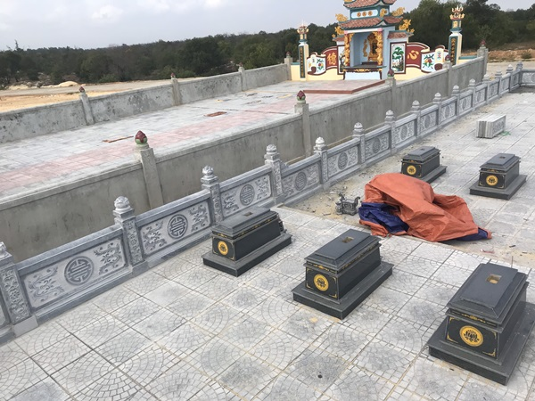Lan can khu mộ đá Đồng Hới Quảng Bình