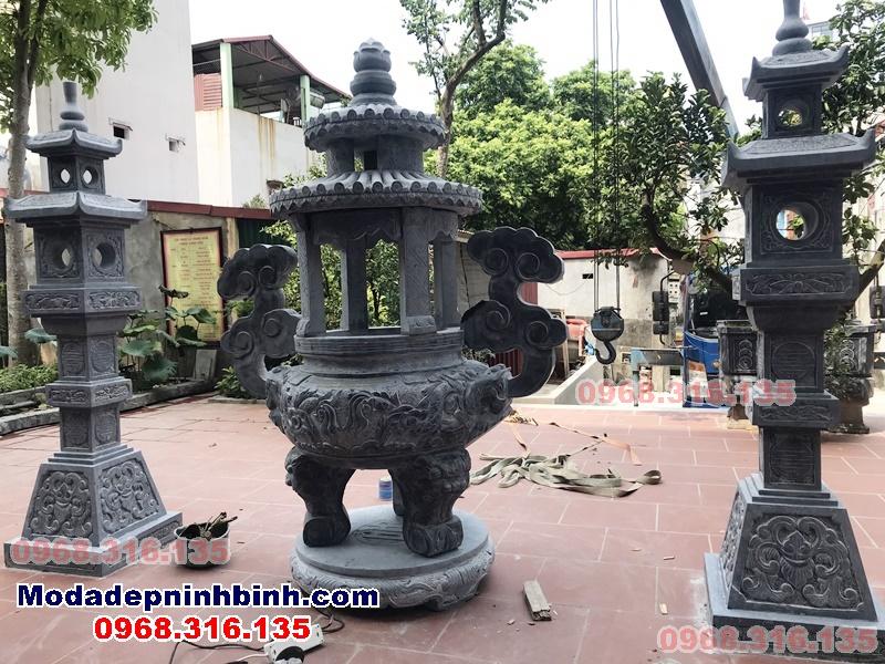 lắp đặt lư có mái đèn vuông đá chùa Linh Cốc Bắc Ninh