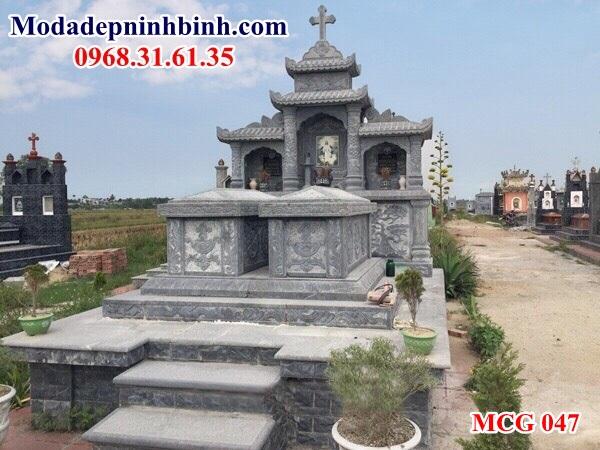 Mộ đá công giáo tại Long Xuyên