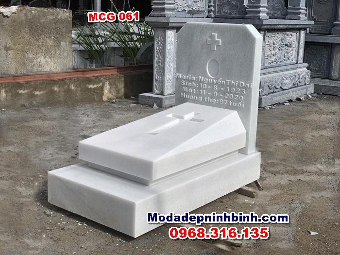 Mộ công giáo đá MCG 061