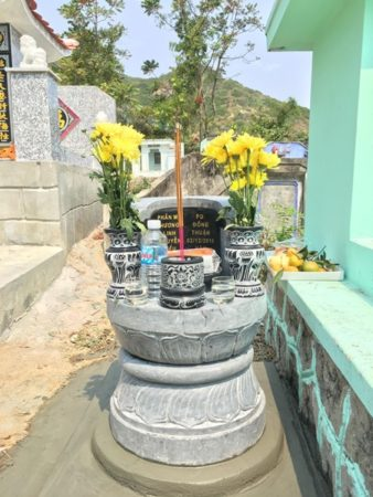 Mộ tròn đá kích thước nhỏ tại Bình Định