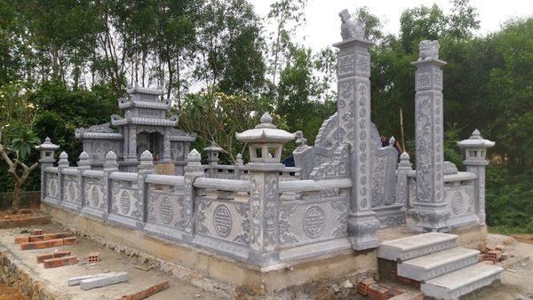 Vận chuyển lắp đặt khu mộ đá thành phố Huế